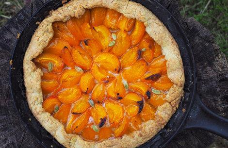 Abrikostærte med kardemomme