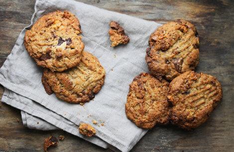 Cookies med brunet smør & chokolade