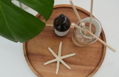 DIY-guide: Sådan laver du dine egne duftpinde til badeværelset