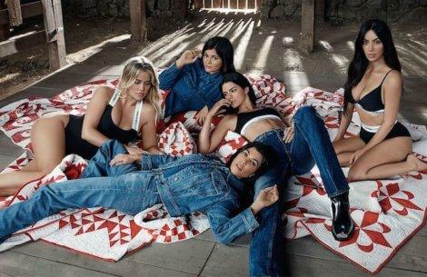 Calvin Klein lancerer ny kampagne med Kardashian/Jenner-søstrene