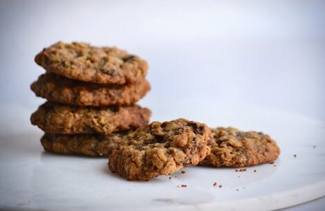 De lækreste havregrynscookies med chokolade og nødder