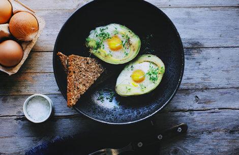Avocado med æg
