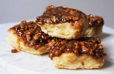 Skønne & snaskede nøddeboller med karamel