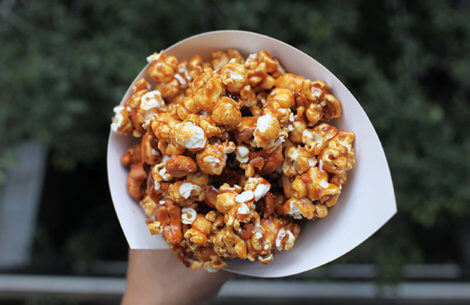 Karamelliserede popcorn