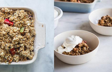 Din dessert til weekenden: Rabarber-mandel crumble
