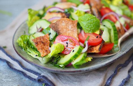 Den perfekte sommerspise: Fattoush salat