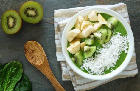Sådan skræller du nemt disse 5 svære frugter