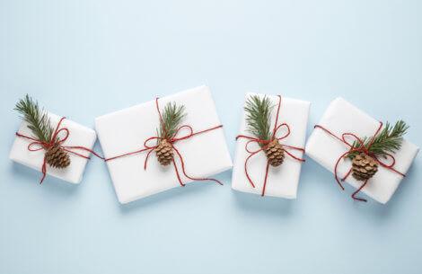 Pak dine julegaver ind med stil