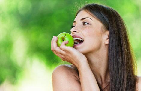 Spis ikke frugt! Det feder!
