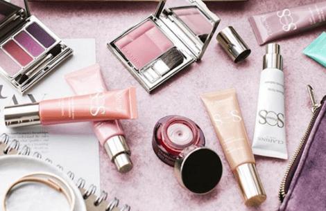 Få lagt din makeup gratis i Magasin