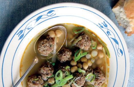 Suppe med frikadeller