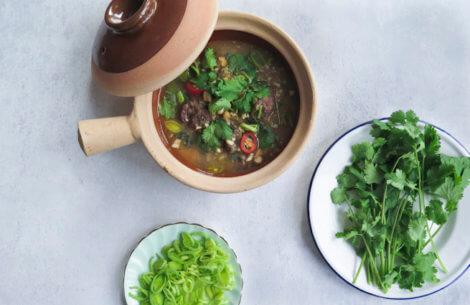 Vietnamesisk suppe med kalveskank
