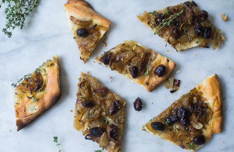 Den bedste snack til weekenden: Pissaladière